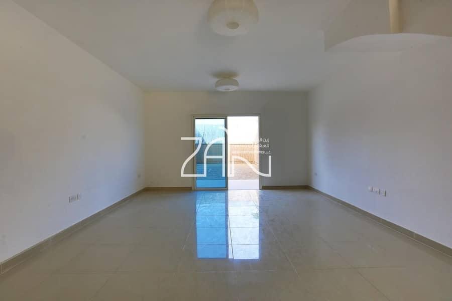 2 Single Row! Vacant 3 BR Villa with Private Garden