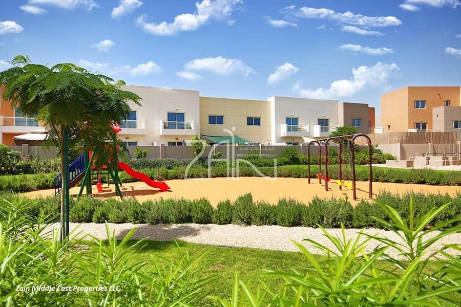 12 Single Row! Vacant 3 BR Villa with Private Garden