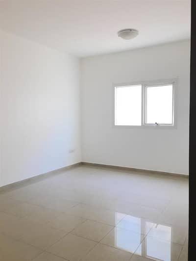 Studio for Rent in Al Khan, Sharjah - Outstanding Studio Apartment with Sea View Available in Suroor Building Al Khan , Sharjah