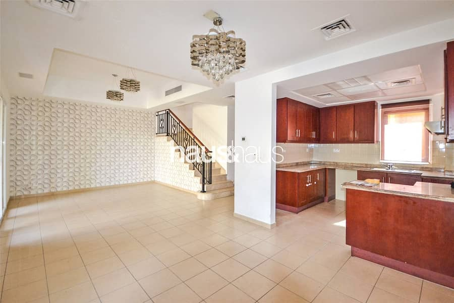 2 Great price Vacant 2 bed Type C in good location