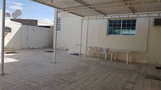 4 Bedroom Villa for Rent in Al Hazannah, Sharjah - $$ Great 4 Bedroom single storey villa with garden available in Al Hazannah area, Sharjah