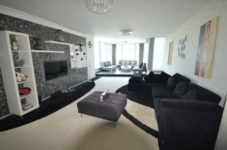 2 Bedroom Apartment for Rent in Al Reem Island, Abu Dhabi - Elegant & Modern Fully Furnished Apt with Great Sky Pod Views!