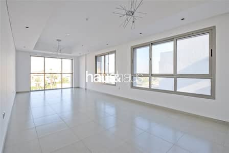 3 Bedroom Apartment for Rent in Umm Al Sheif, Dubai - Umm Al Sheif | Bright and Spacious | Brand New
