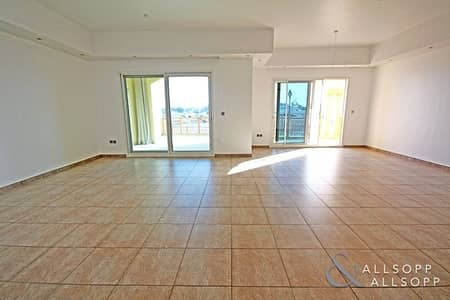 2 Bedroom Townhouse for Sale in Palm Jumeirah, Dubai - Large Terrace | Marina Views | Double Garage