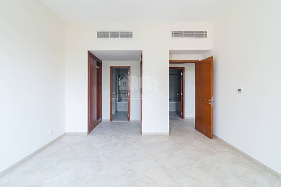 2 Bright & Spacious 2BR with community view /Renting