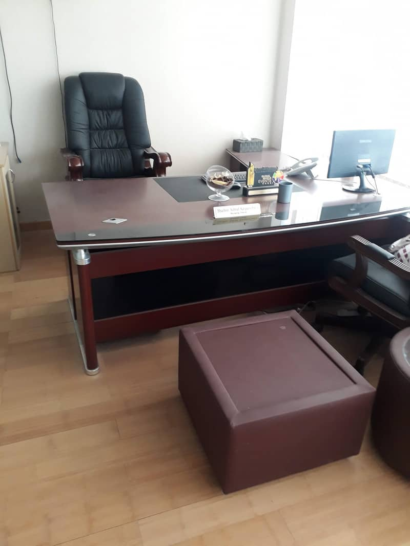 Office with 2 Glass Partition
