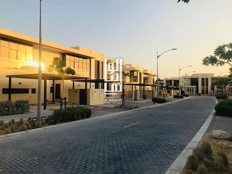 2 Ready to move  stunning 3BR in Damac hills.   Zero Commission- Amazing Deal