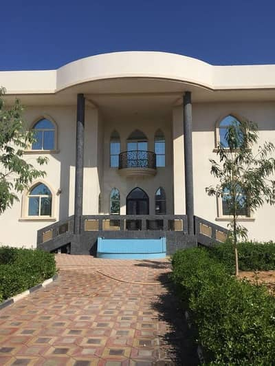 6 Bedroom Villa for Sale in Al Jurf, Ajman - For sale luxury villa area of 10,000 feet distinct decorations, the best villa in the Al Jurf area