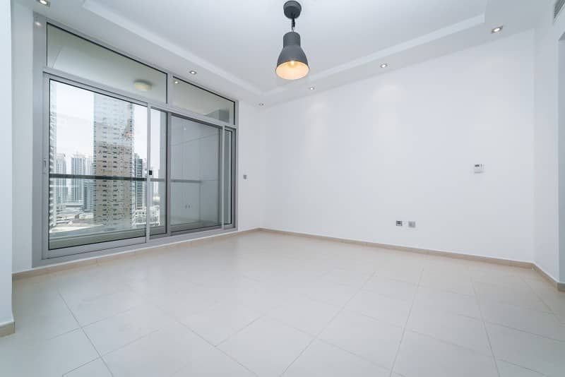 2 Beautiful Large 1 Bed In Skyview Tower | Mid Floor