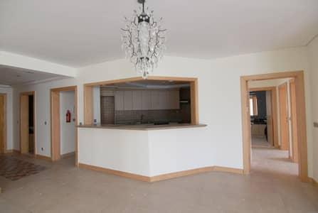 شقة 3 غرف نوم للايجار في نخلة جميرا، دبي - Must See Big Size 3 Br + Maid's room Type C Vacant