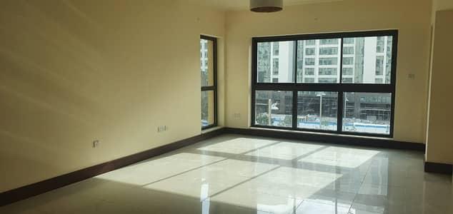 شقة 2 غرفة نوم للايجار في نخلة جميرا، دبي - شقة في جولدن مايل 6 جولدن مايل نخلة جميرا 2 غرف 105000 درهم - 4493874