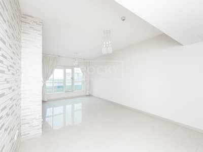 1 Bedroom Flat for Rent in Jumeirah Lake Towers (JLT), Dubai - Spacious | 1 Bed with Terrace | Low Floor | Lake Point