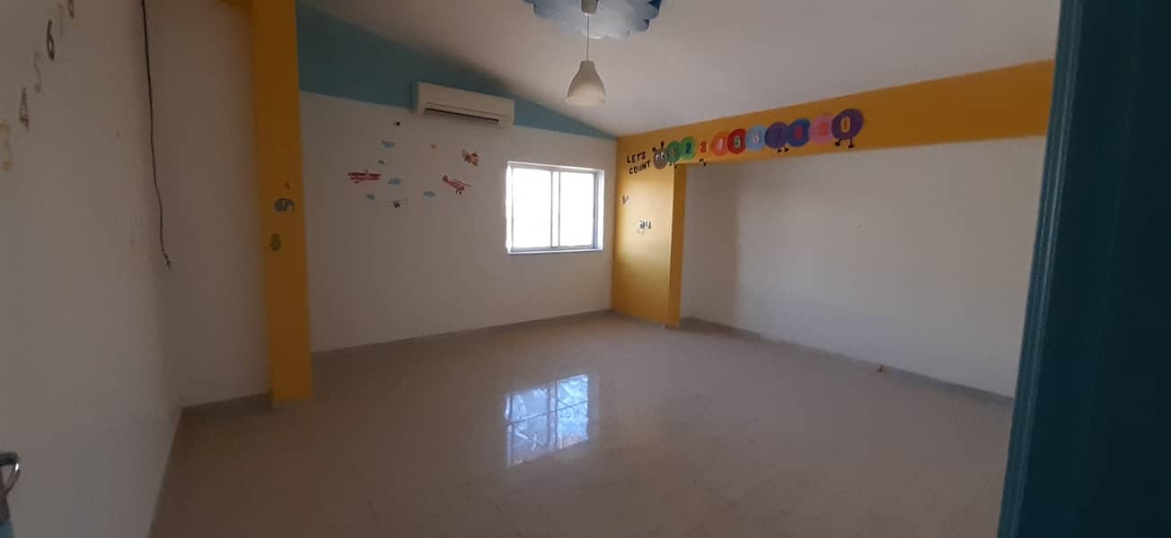 5 bedroom Majlis and Saloon for rent in Rashidya
