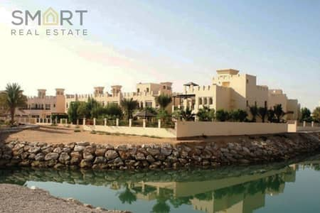 4 Bedroom Villa for Sale in Al Hamra Village, Ras Al Khaimah - Wonderful type B villa surrounded by lagoon  is located in Al Hamra Village available for sale with attractive price .