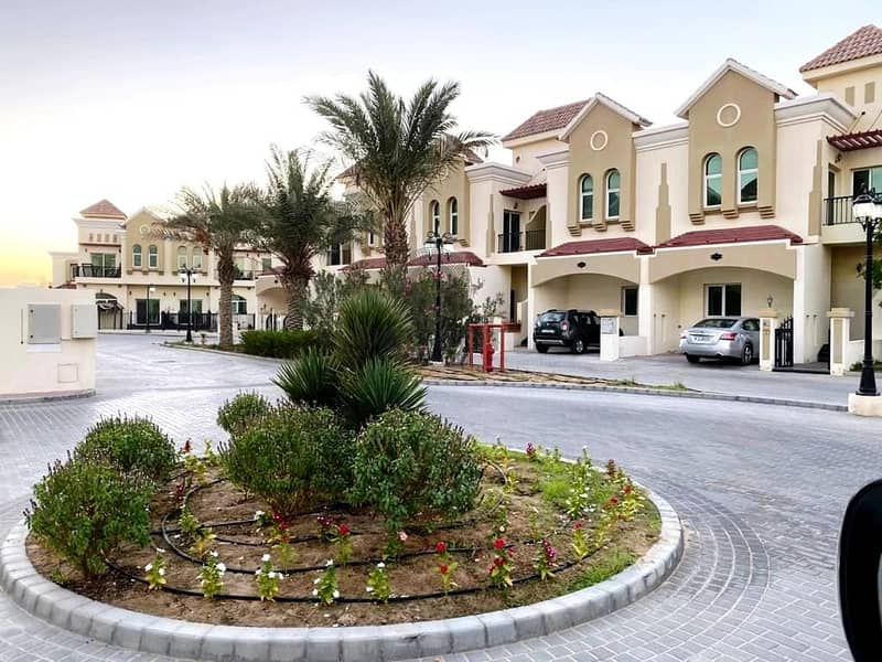 2 Beautiful (Unfurnished) 3 Bedrooms Townhouse in Sahara Meadows