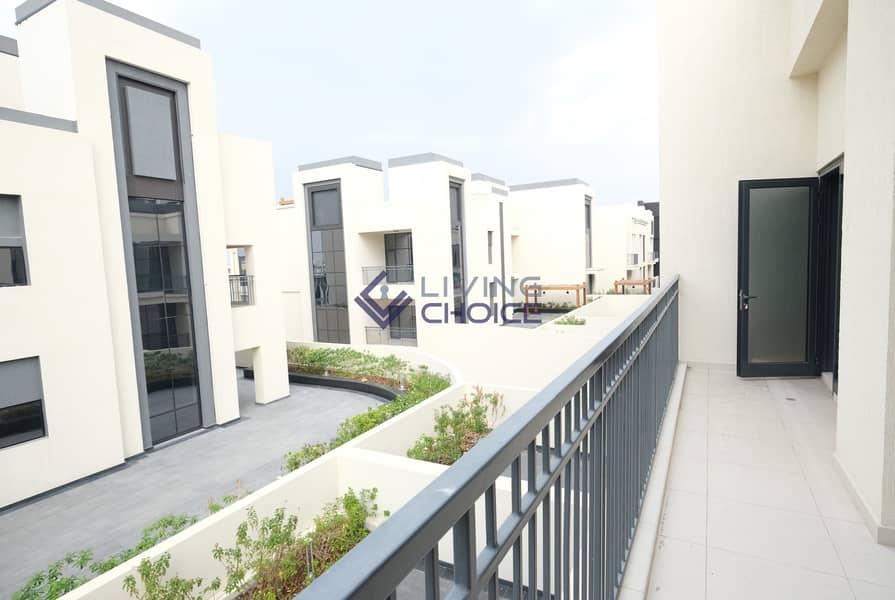 11 1 BR + Terrace | Balcony | Open Kitchen
