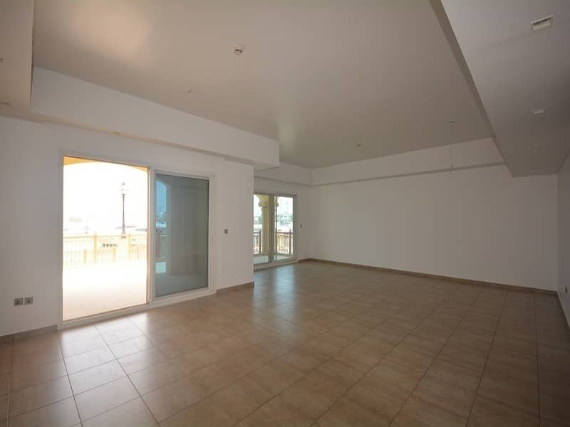 2 Private garage l Direct access to Nakheel Mall