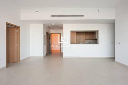 فلیٹ 3 غرف نوم للايجار في التلال، دبي - Showpiece Apartment with Green Lush views | 3 Bed