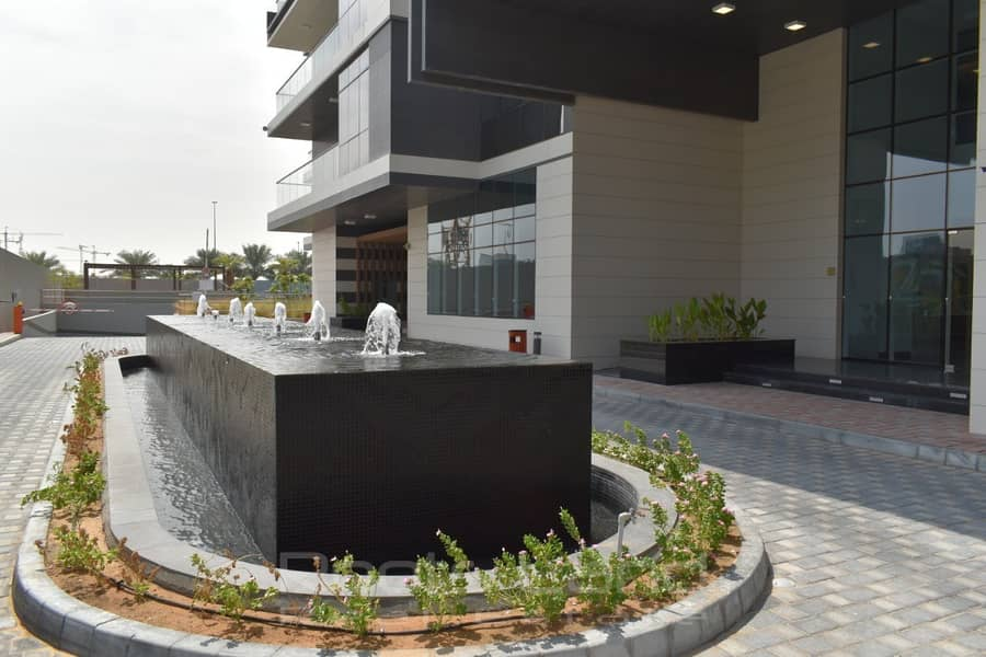 18 Ready To Move In With Hotel View in Business Bay