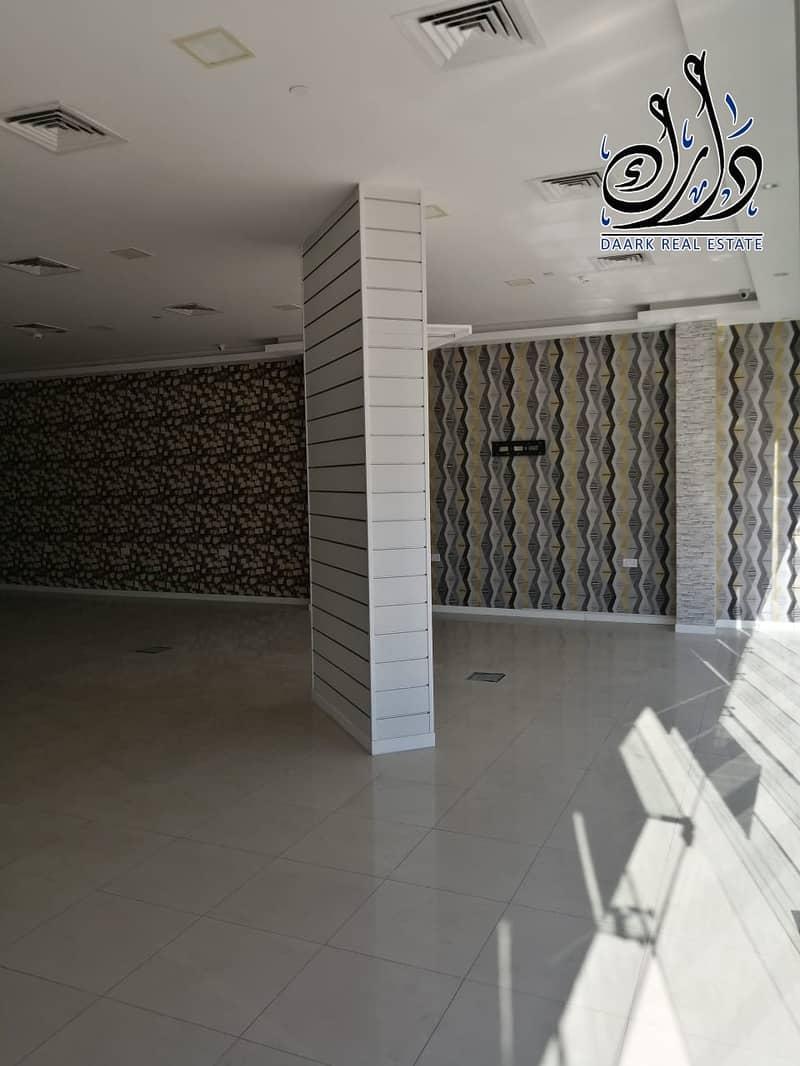 shop spacious area