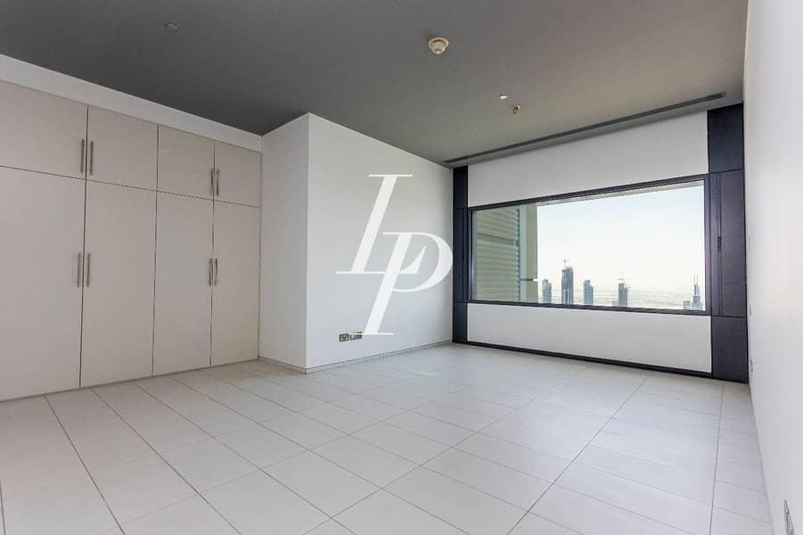 Stunning Apartment on Signature Floor