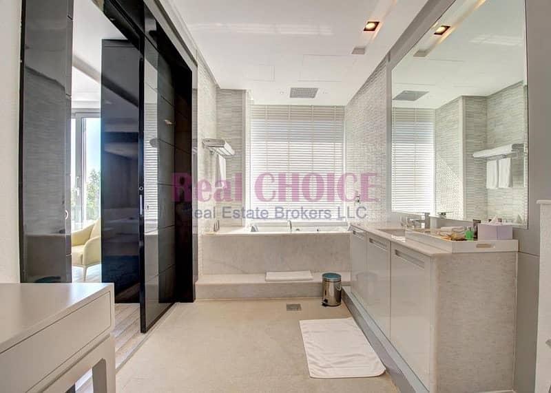 2 Unparalleled Water Edge Luxury Living|4BR Villa