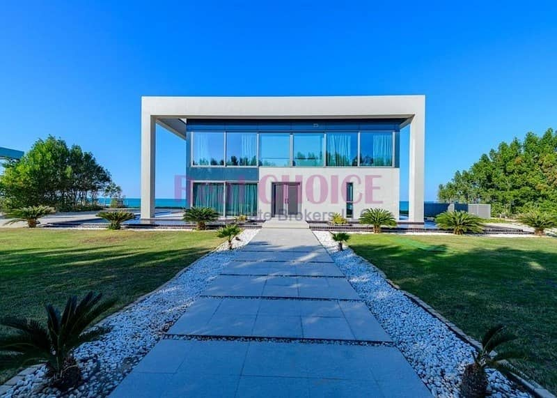 24 Unparalleled Water Edge Luxury Living|4BR Villa