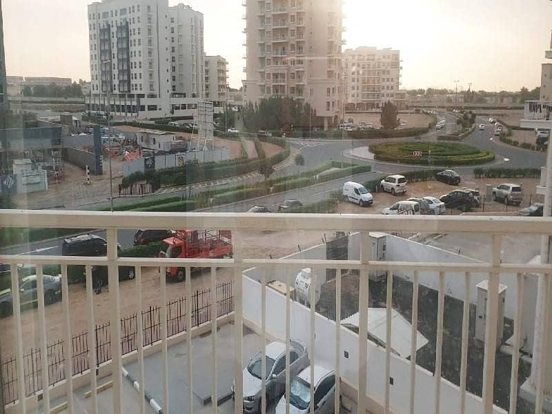 10 37k in 4  Cheques | Beautuful | Huge | 1BR | Mazaya 10A | Vacant