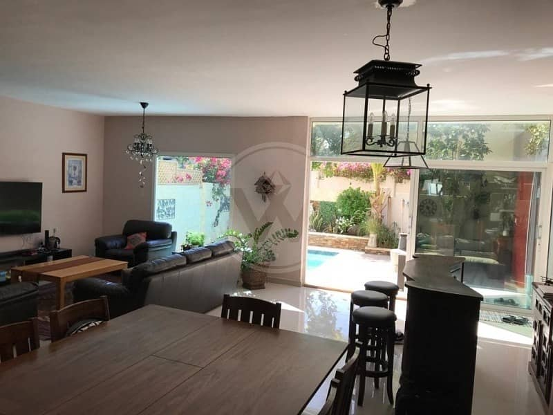 Spacious villa with pool | Must see!