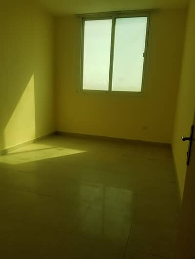 3 Bedroom Apartment for Rent in Mussafah, Abu Dhabi - 3bhk for bechlor accommodation with balcony in shabiya 55k