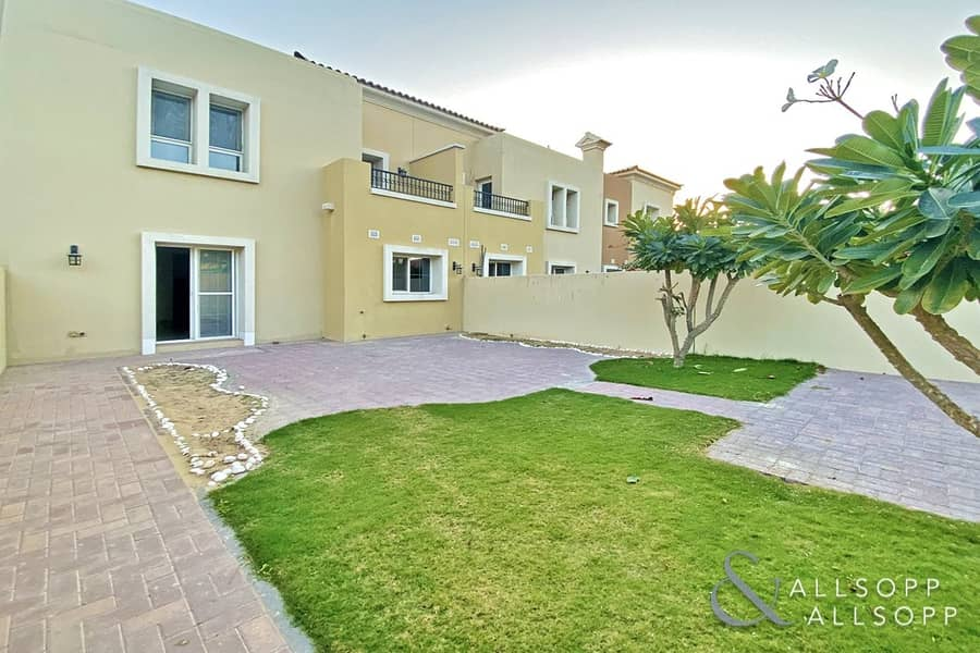 1 Single Row | 3 Bedrooms | Close To Pool