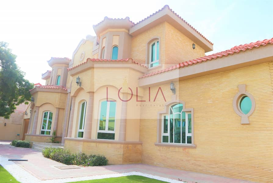 2 Independent 4BR Villa with private garden