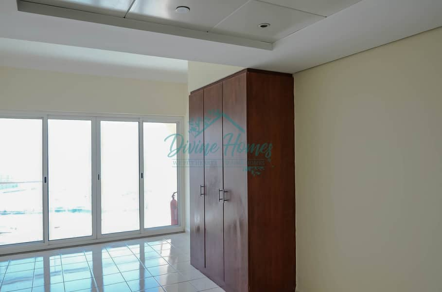 2 Close to Metro | Unfurnished | Balcony | Bright