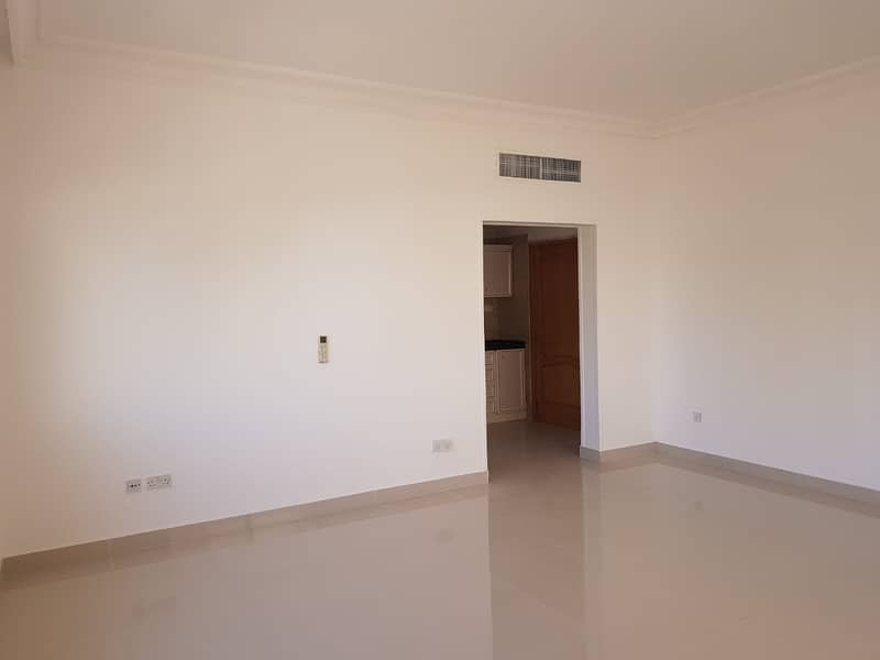 2 Affordable and Stunning Studio Apartment/NO COMMISSION FEES!