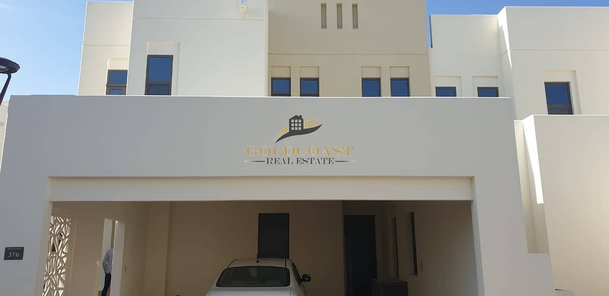 4bed+maid villa for rent in Mira Oasis