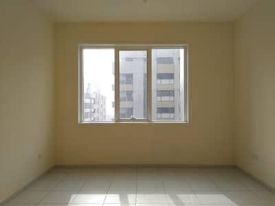 شقة 1 غرفة نوم للايجار في منطقة النادي السياحي، أبوظبي - شقة في منطقة النادي السياحي 1 غرف 48000 درهم - 4497864