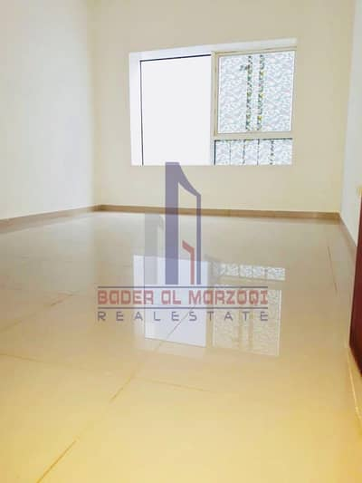 12 Cheqs / 10 Days Free / Laxuary 1 Bhk with Gym + Pool . . Near To bus Stop