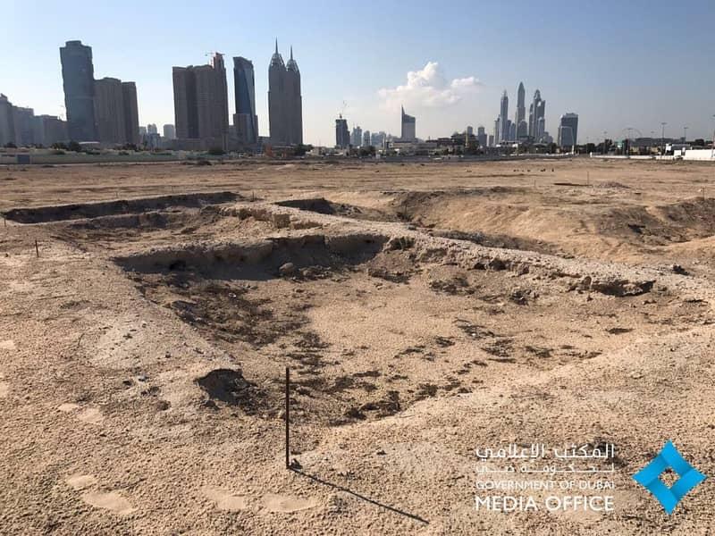 قطعة ارض للبيع في عجمان الراشدية موقع مميز .