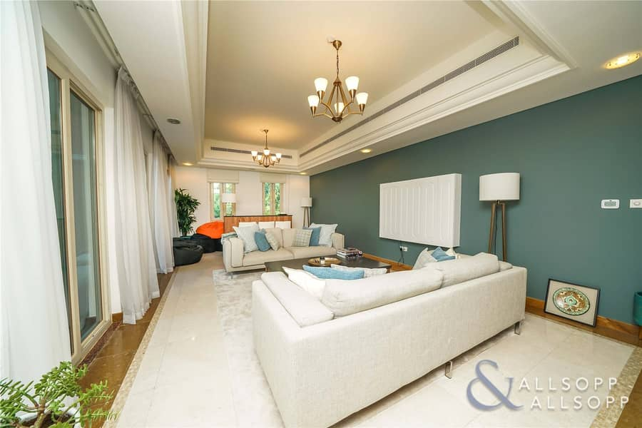 2 Immaculate   6 Bedrooms   Golf Course View