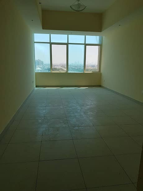 شقة في النهدة 2 غرف 43500 درهم - 4498716