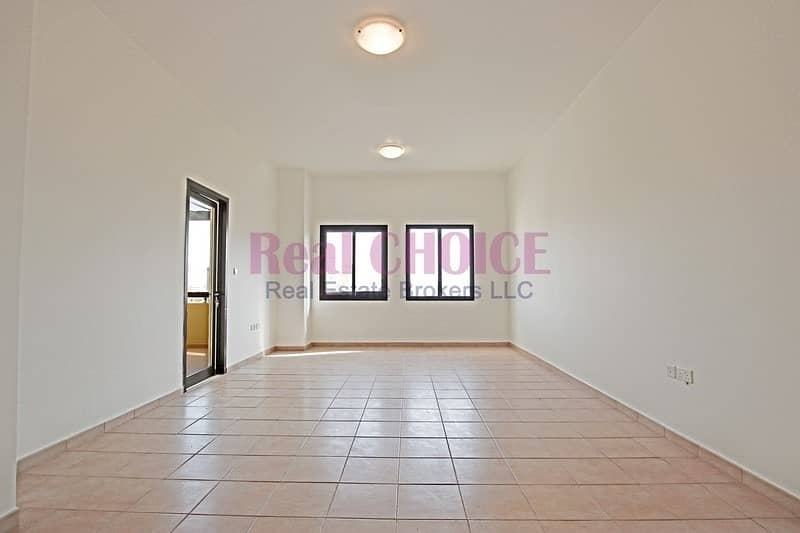 2 Vacant 3br with maids room | 12 chqs | Family Community