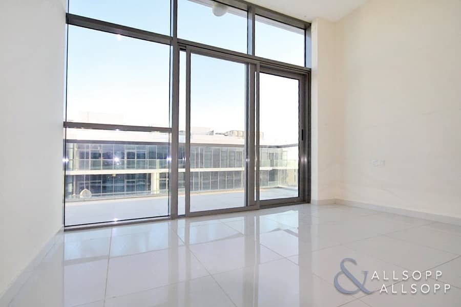 10 Modern 2 Bed Apartment | Golf Course Views