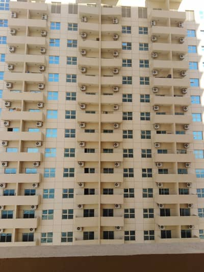 1 Bedroom Flat for Rent in Emirates City, Ajman - Open view one bedroom apartment available for rent at 17000 yearly