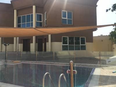 فیلا 4 غرف نوم للايجار في البرشاء، دبي - فیلا في البرشاء جنوب الأولى البرشاء جنوب البرشاء 4 غرف 200000 درهم - 4499581