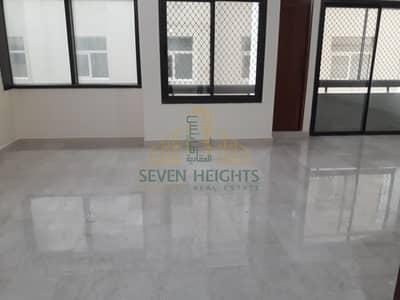 فلیٹ 4 غرف نوم للايجار في منطقة الكورنيش، أبوظبي - Big and nice 4bthrooms in corniche abu Dhabi