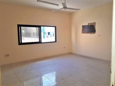 فلیٹ 2 غرفة نوم للايجار في ديرة، دبي - 2 BHK WITH Balcony  Bachelor Accomodation in Hor Al Anz