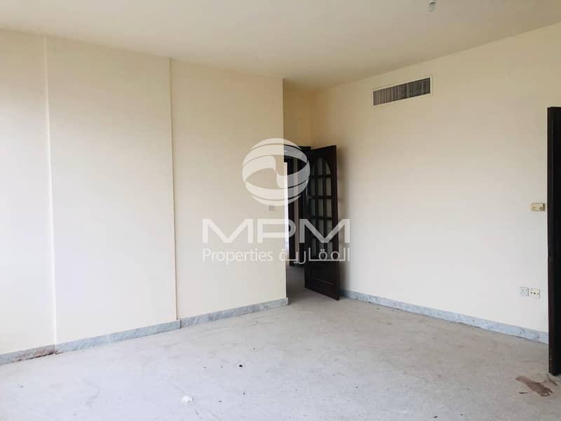 Nice 3 Bedroom Apartment near Wahda Mall