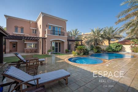 5 Bedroom Villa for Sale in Arabian Ranches, Dubai - 5 Bed in Quiet Location - Full Golf Course Views