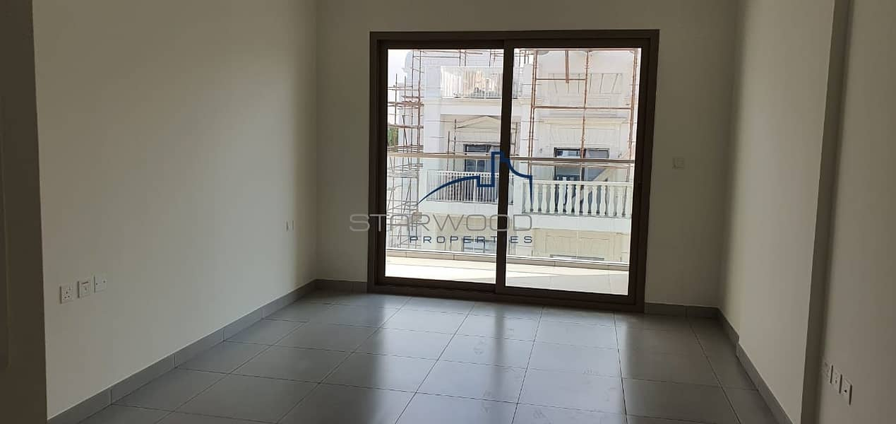 2 Luxury Brand New   Studio Fully Fitted Kitchen High End Finishing  with Miracle Garden View  