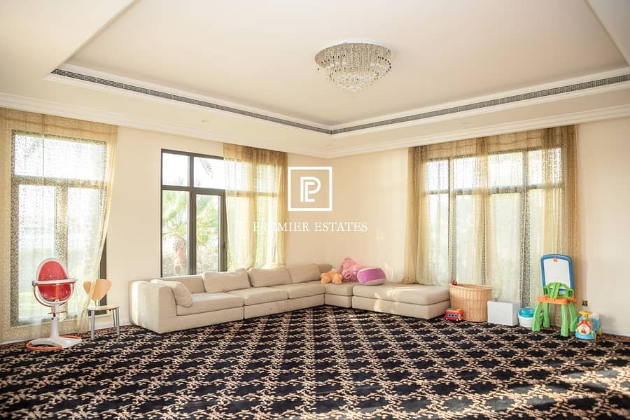 2 6 Bedroom Signature Villa|Sea Views|Semi furnished